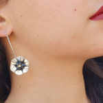 עגיל ויקטוריה פרח שחור